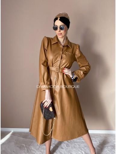 Koženkové šaty Very hnedé D 11